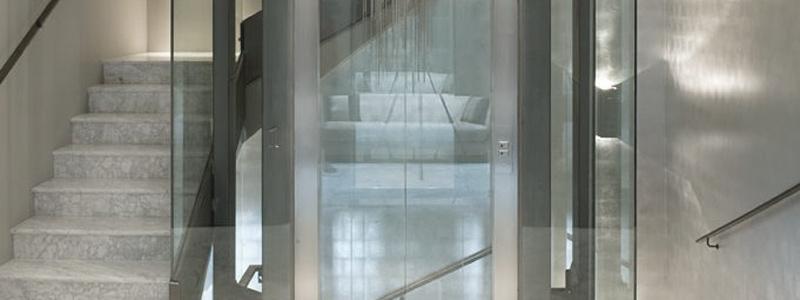 4 cosas que te pueden pasar en el ascensor con tus vecinos
