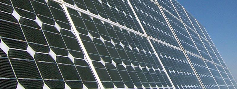 En verano, pásate a las placas solares en la comunidad